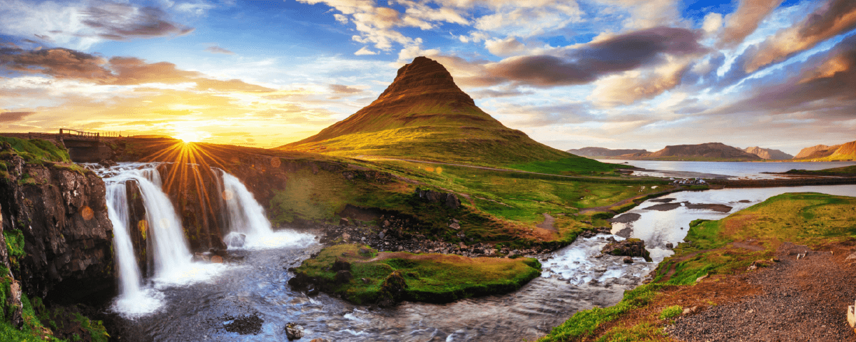 ENCHANTED ICELAND – LAND OF LUMINOSITY