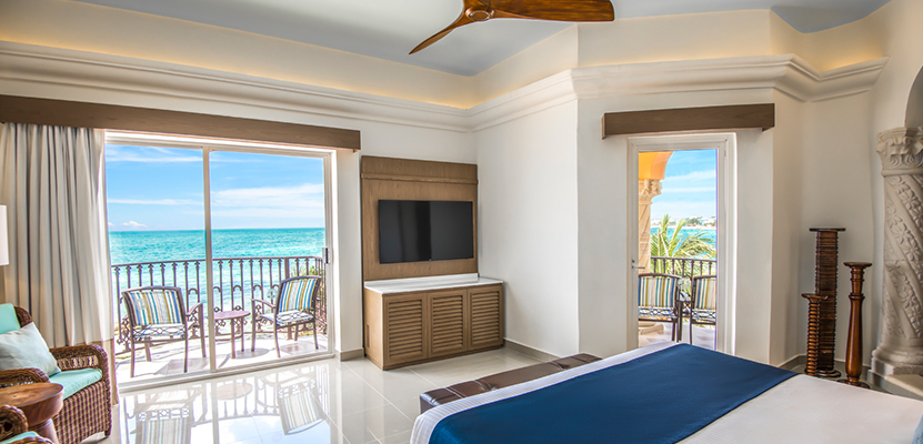 Jr Suite Beachfront Walk Out
